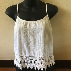 BLU PEPPER VTG FLOWER DETAILED WHITE TOP